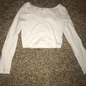 Forever 21 white slight v neck long sleeve croptop